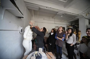 Students in Judy Fox&apos;s studio<br />Photo: Suman Sarker